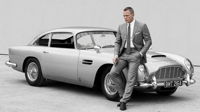 51caeaad25 Assortir sa voiture à la couleur de son costume, comble du luxe. (Sony