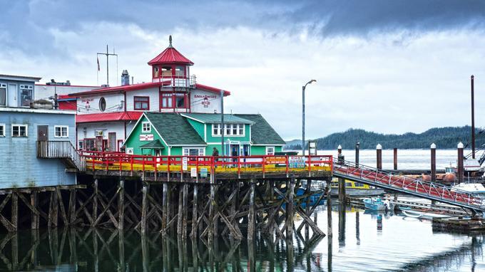 Prince Ruppert, Canada. Le long de la côte, les couleurs chatoyantes des petits ports de pêche égayent les longs hivers.