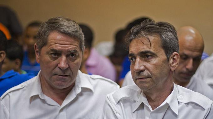 Les deux pilotes lors du procès.