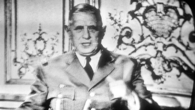 Charles de Gaulle, en uniforme, intervint à la télévision après le putch du 22 avril 1961.