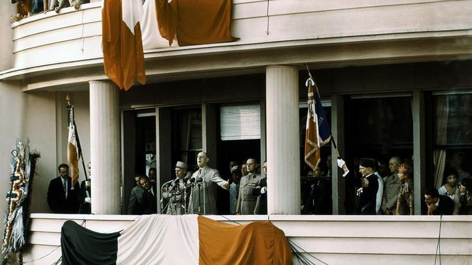 Le Général de Gaulle à Alger le 4 juin 1958.