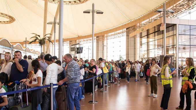 Files d'attente à l'aéroport de Charm el-Cheikh