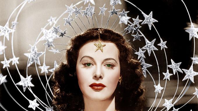 Hedy Lamarr en 1941dans <i>Ziegfeld Gir</i>l, une comédie musicale signée Robert Z. Leonard et Busby Berkeley, avec James Stewart et Judy Garland.