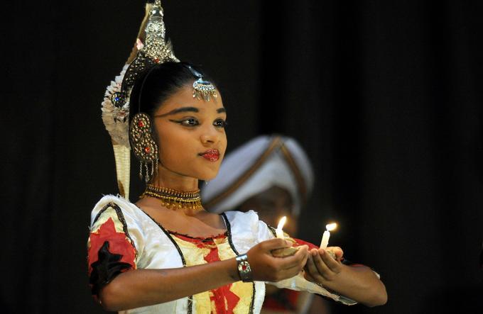 Les danses traditionnelles montrées à Kandy sont considérées comme les plus représentatives de l'identité nationale.