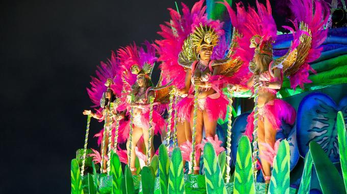 L'origine du carnaval de Rio remonte au XIXe siècle.