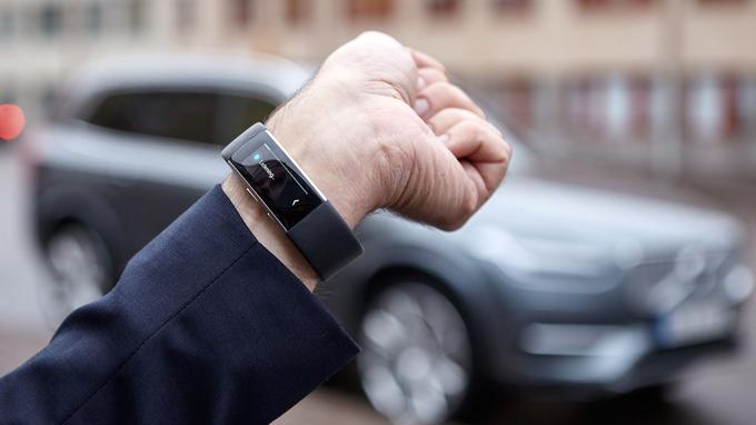 Le Microsoft Band 2 assure également le contrôle de son rythme cardiaque, la quantité de calories brûlées lors d'un exercice physique ou encore la qualité de son sommeil.
