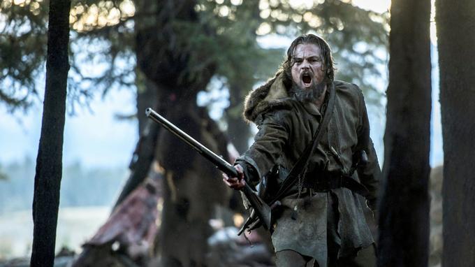 Leonardo DiCaprio dans le rôle du trappeur Hugh Glass dans <i>The Revenant</i>.
