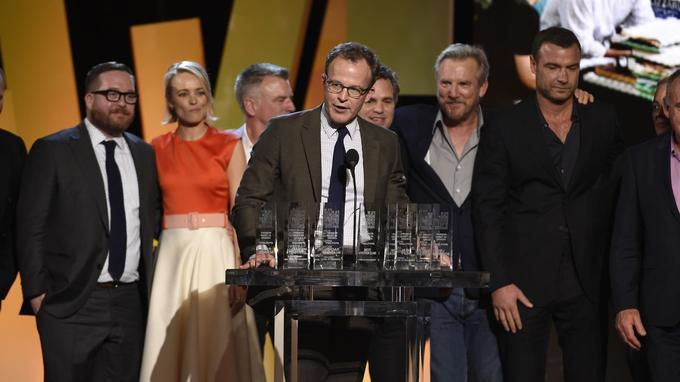 Tom McCarthy entouré du casting de <i>Spolitght</i>, aux Independant Spirit Awards.