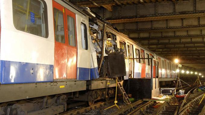 L'une des rames de métro touchée par les attaques de Londres, le 7 juillet 2005.