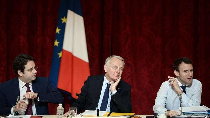 Le secrétaire d'État Matthias Fekl (à gauche) avec Jean-Marc Ayrault et Emmanuel Macron, le 22 mars à l'Élysée.