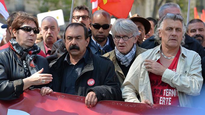 Bernadette Groison de la FSU, Philippe Martinez de la CGT et Jean-Claude Mailly de FO, ont défilé derrière une barrière commune.