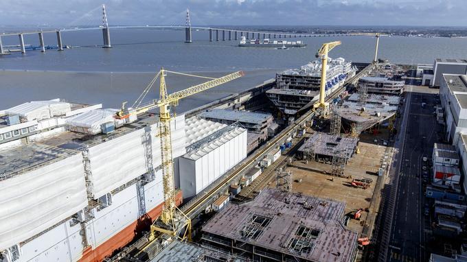 Au bord du gouffre en 2012, les chantiers STX France, détenus par un groupe sud-coréen et par l'Etat français (33%), croulent désormais sous les commandes.
