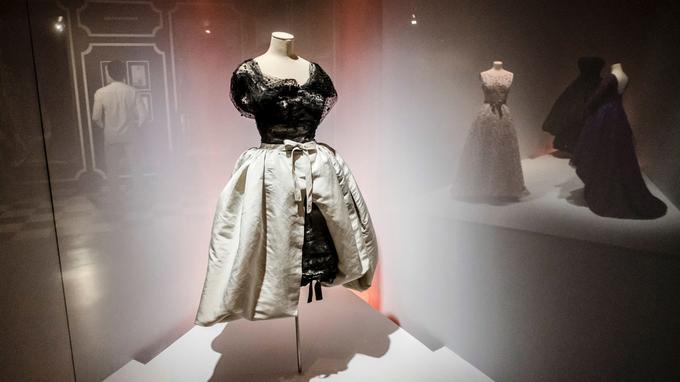 Guetaria, ville natale de Cristóbal Balenciaga, a rendu hommage au grand couturier en lui consacrant un superbe musée.