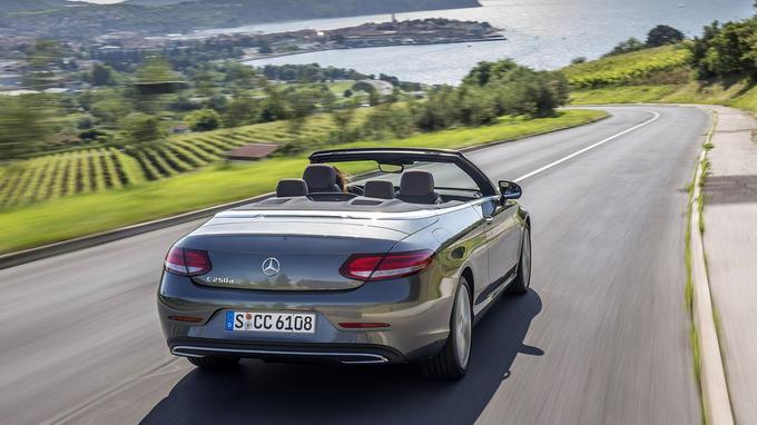 La poupe arrondie traduit un style moins anguleux que ceux des modèles habituels de Mercedes.