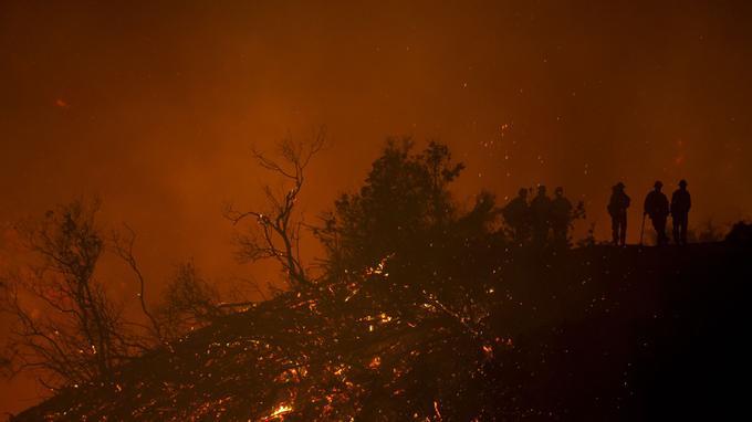 Le feu Sherpa, près de Santa-Barbara en Californie. (AFP)