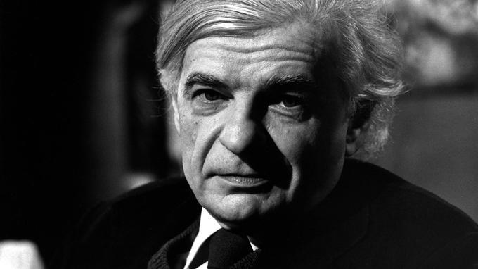 Yves Bonnefoy avait reçu pour l'ensemble de son œuvre le grand prix de poésie de l'Académie française, en 1981