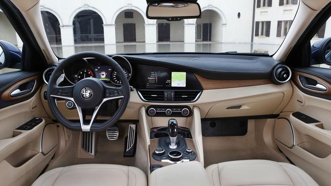 Les qualités dynamiques de la Giulia sont enthousiasmantes. Reste à améliorer une finition intérieure encore perfectible.