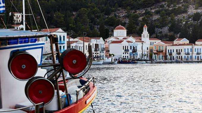 Bateaux de pêche ou voiliers de plaisance: le port concentre l'essentiel de l'activité sur l'île. Il en est l'âme.