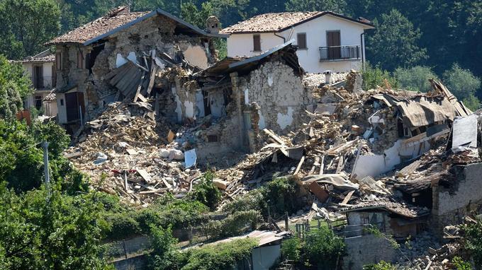 Les dégâts - comme ici à Casale près d'Amatrice - sont très impressionnants.