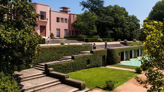 La Casa de Serralves, villa Art déco construite à la demande du comte Carlos Alberto Cabral pour lui et sa compagne française Blanche Daubin.