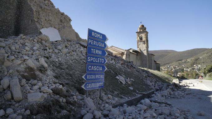 L'épicentre se situe à environ 70km de Pérouse, en plein centre du pays.