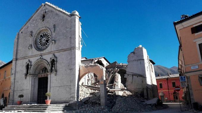 La Basilique San Benedetto a dû être évacuée.