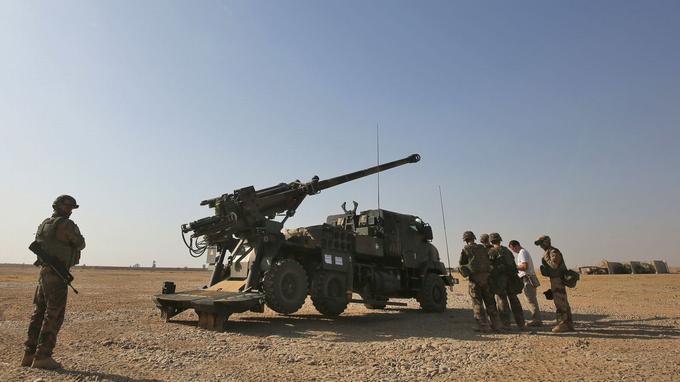Cinq CAESAR ont été déployés par l'armée française dans la région de Mossoul.