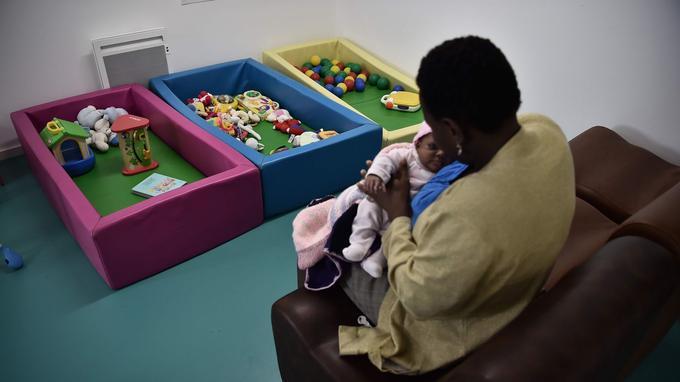 Une maman et son bébé ont trouvé refuge dans ce centre ouvert le 2 novembre.