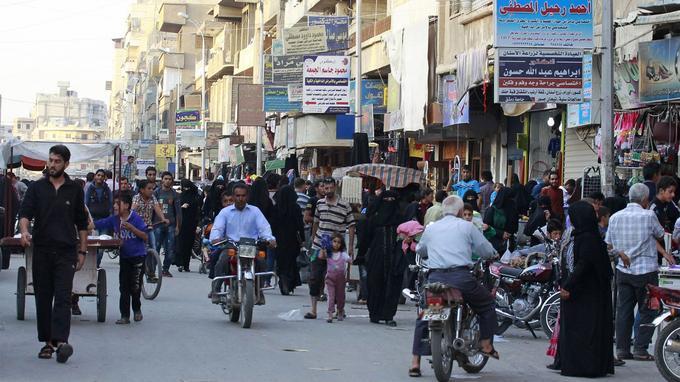 Une rue du centre de Raqqa, en octobre 2014.