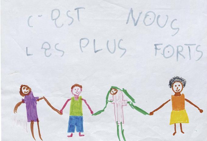 «C'est nous les plus forts», dessin d'enfant déposé devant le Bataclan.