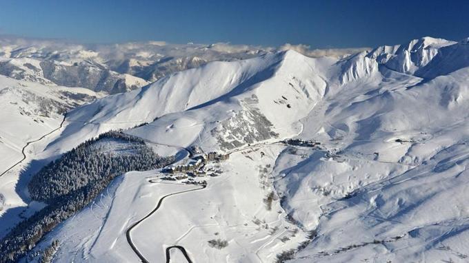 La station de Peyragudes sous la neige. © Soule Delaffont