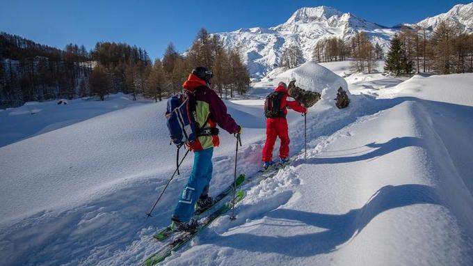Ski de randonnée avec l'ESF. © DR