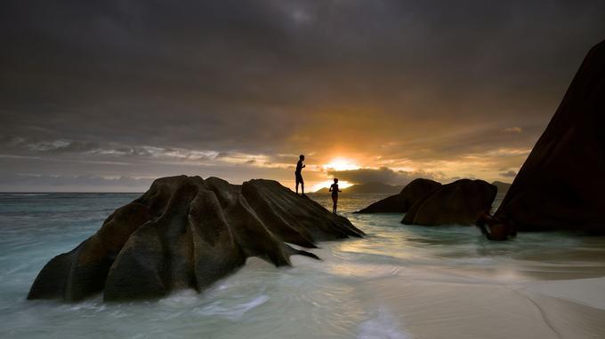 La plage d'Anse Source d'Argent est l'une des plus photographiées au monde pour son paysage à couper le souffle. Ici, les éléments dévoilent leur part de douceur.