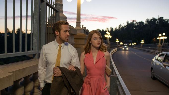 La La Land est nommé aux Golden Globes de la meilleure comédie ou film musical, meilleur réalisateur, meilleure bande originale, meilleur scénario et meilleurs acteurs pour Emma Stone et Ryan Gosling.