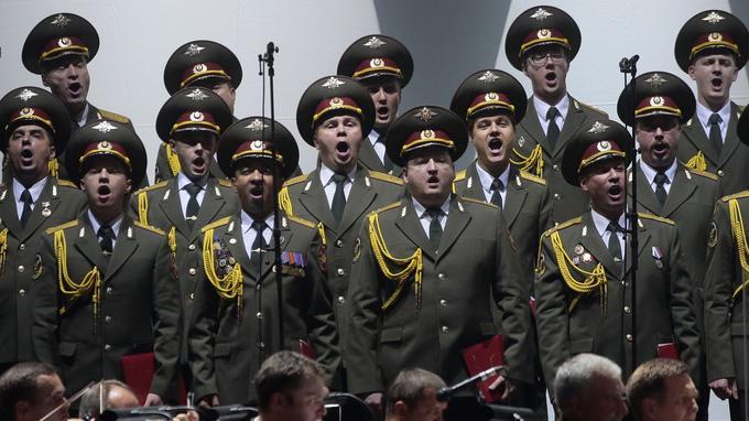Des membres de l'Alexandrov Ensemble, les chœurs de l'Armée Rouge. Ici en octobre 2015 à Paris, au Palais des Sports.