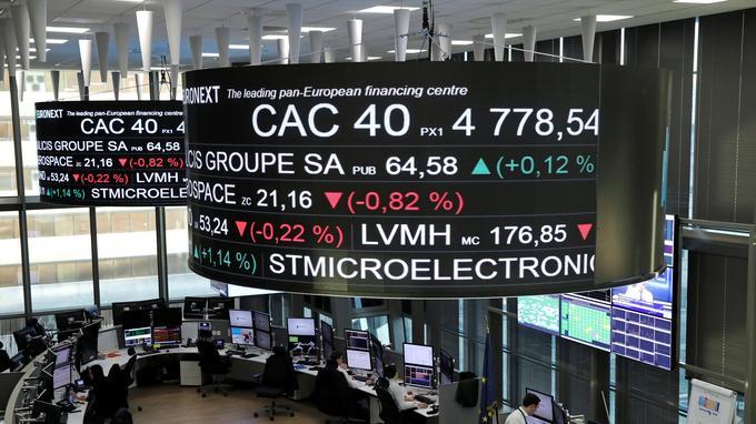 Après la diffusion du faux communiqué, l'action de Vinci a perdu jusqu'à 18% avant que sa cotation soit suspendue. L'équivalent de quelque sept milliards d'euros.