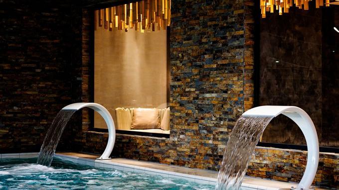 La Thalasso Concarneau, un décor contemporain et chaleureux pour y découvrir les bienfaits de l'eau de mer.
