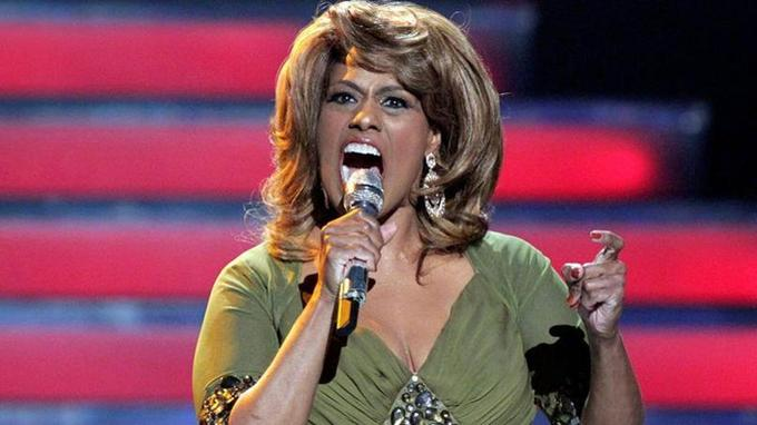 Jennifer Holliday a voulu chanter au nom de la communauté LGBT avant d'y renoncer.