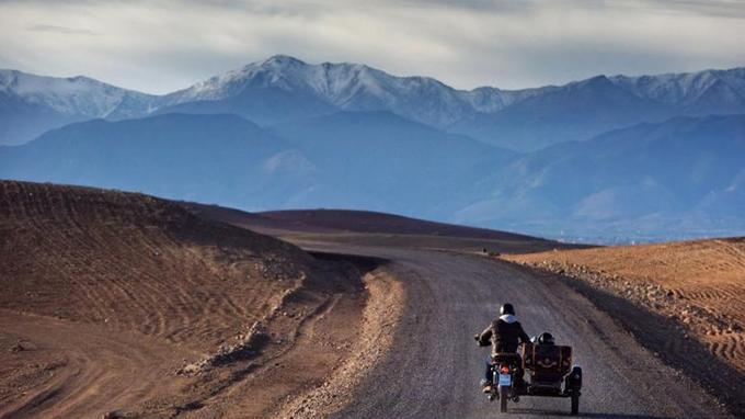 A moto sur les routes du Maroc.