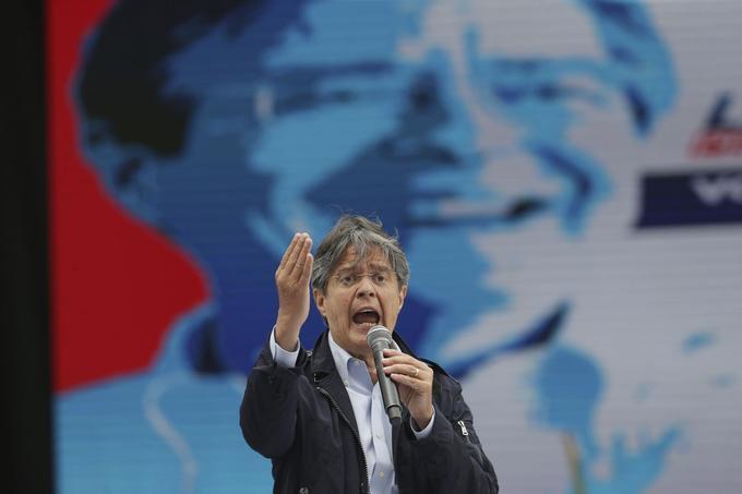Guillermo Lasso, représentant de l'opposition conservatrice.