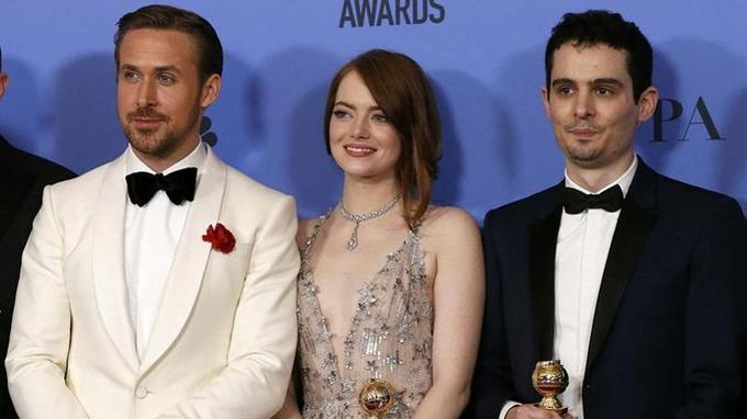 Le trio gagnant de «La La Land», Ryan Goslin,Emma Stone et Damien Chazelle. Le film qui a remporté sept récompenses aux Golden Globes en janvier dernier.
