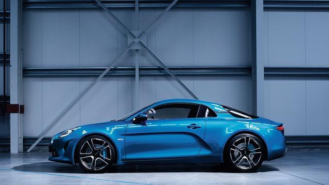 La nouvelle berlinette Alpine A110 sera présentée en bleu au salon de Genève.