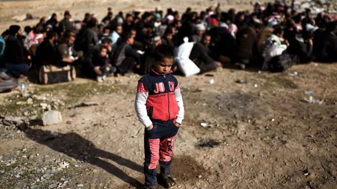 200.000 civils ont fui pendant que les combats font rage à Mossoul, contre l'État islamique (ici, le 28 février à proximité de Mossoul-Ouest).