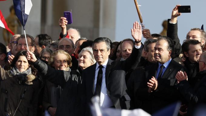 Penelope Fillon s'est affichée au côté de son mari, place du Trocadéro.