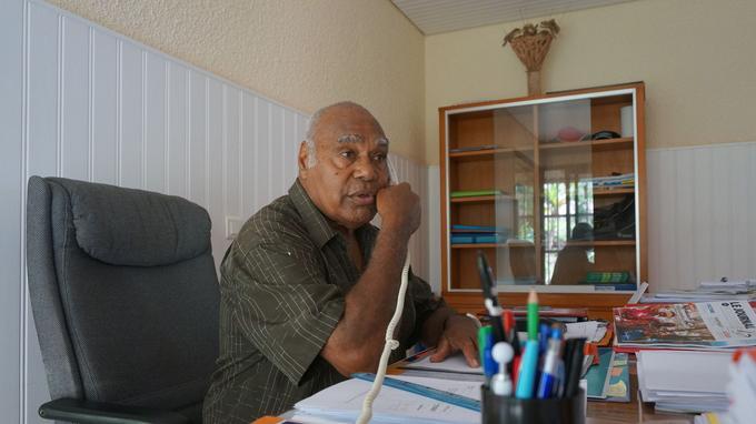Hilarion Vendegou est maire de l'île des Pins depuis 25 ans, malgré une interruption en 2014.
