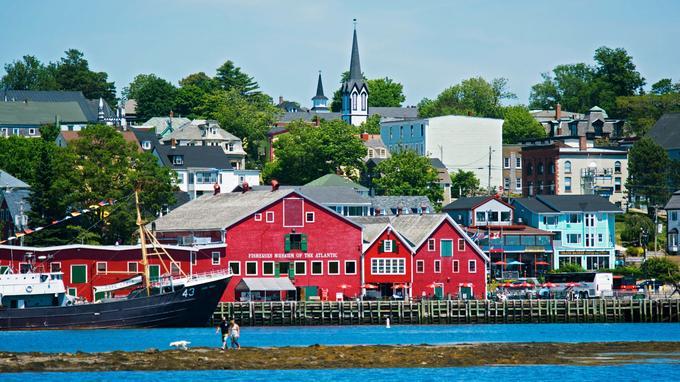 Le charmant port de Lunenburg, habité jusqu'au XVIIIe siècle par les Acadiens, est classé au patrimoine mondial de l'Unesco.