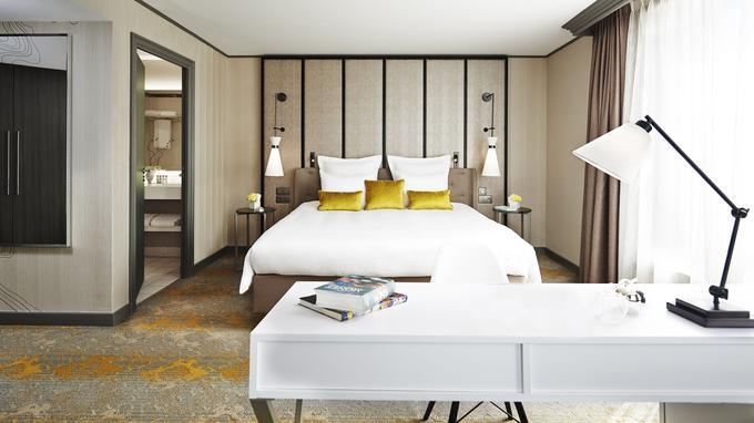 Une chambre de l'hôtel. © Renaissance Paris la Défense