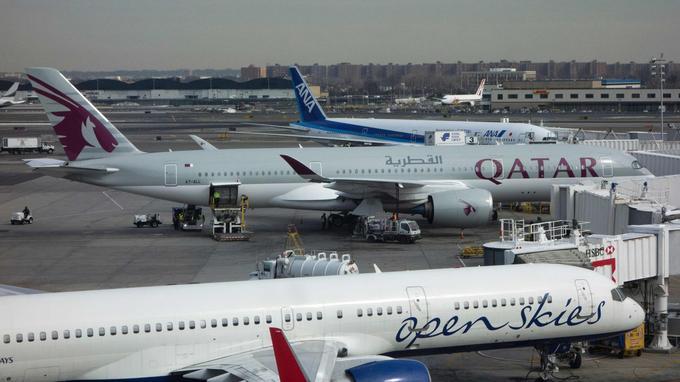 Un avion de Qatar Airways à l'aéroport John F Kennedy International.