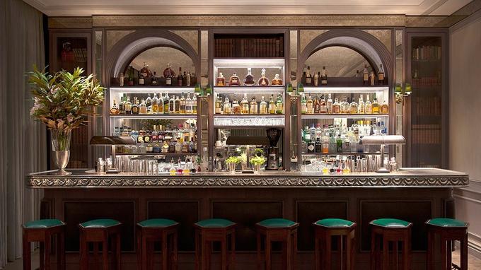 Le bar de l'hôtel. ©Sivan Askayo