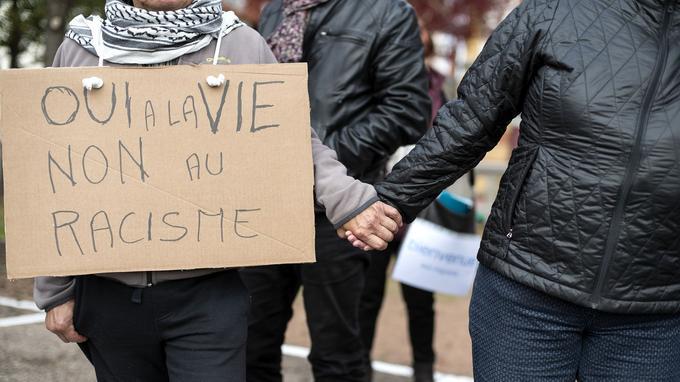 «Il semble que, depuis la vague récente d'attentats, la société française refuse les amalgames et valorise l'acceptation de l'autre», suppose la CNCDH.